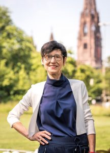 RRia Hinken von alterskompetenz.info